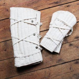 Eisenbrück set of padded greaves and bracers - black